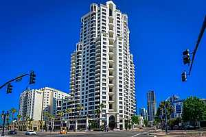 MLS # PTP2002082 : 700 W HARBOR DRIVE 2204