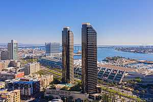 MLS # 200047421 : 200 HARBOR DR 1502
