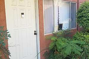 MLS # 200048398 : 1060 E WASHINGTON UNIT 11