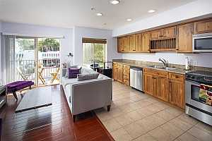 More Details about MLS # 210017975 : 801 W HAWTHORN ST 208