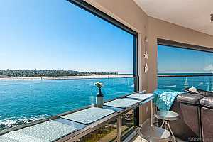 Browse active condo listings in MISSION BEACH
