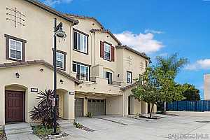 Browse active condo listings in MISSION HILLS